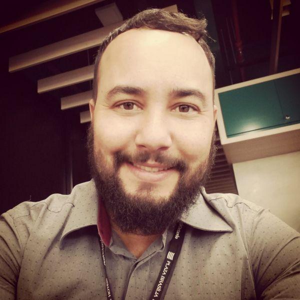 Hivel Santos Nogueira