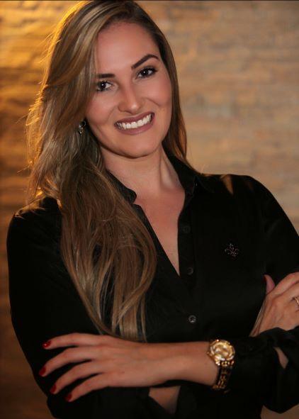 Caroline Almeida Gomes