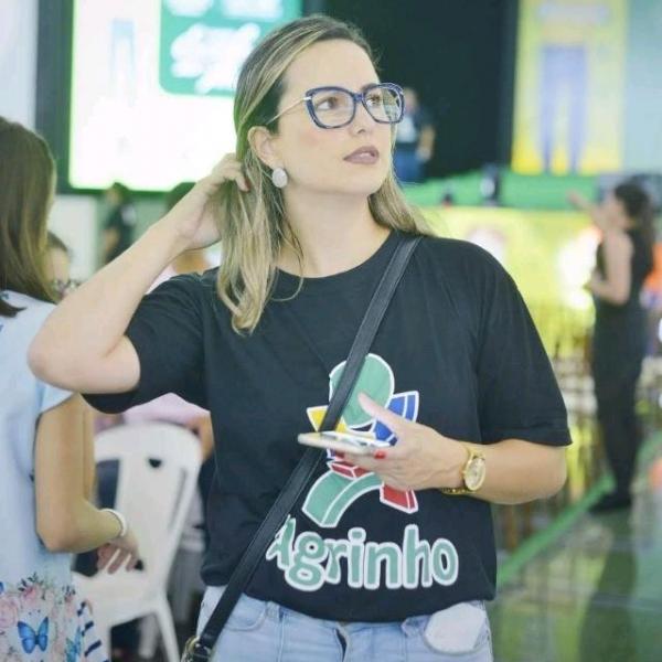 JULIANA Barros Costa